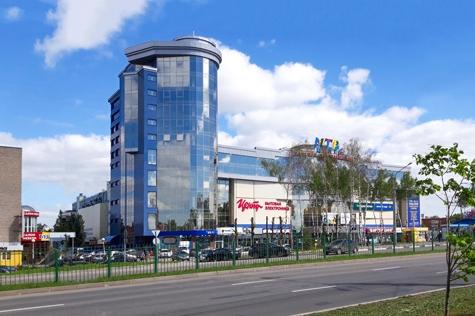 Проспект И.Я.Яковлева, дом 4Б, на территории магазина Корпорации