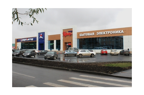 Улица Петра Томилова, дом 15, строение А, 1 этаж, на территории магазина Корпорации